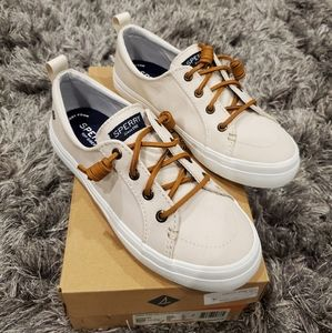 NWB Sperry Crest Vibe Oat Color Sneakers size 6